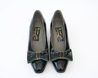 Vintage black patent leather heels with bow