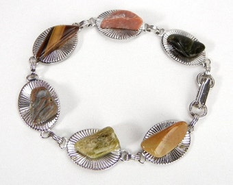 Stone bracelet of silver ribbed ovals & links vintage from 1960s // hipster // nature jewelry // brown orange green