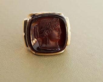 Vintage Ring - Men's Vintage 10k Yellow Gold Carnelian Roman Intaglio Ring