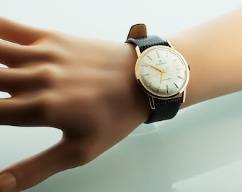 Vintage Watch - 1950's Vintage 14k Yellow Gold Mens Huguenin Automatic Wrist Watch