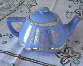"""Hall Tea Pot """"Baltimore"""" 0169  Periwinkle Blue, Vintage Pottery, Mid Century Tea Pot, Collectibles, Table Scape, Home Decor"""