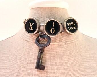 X O Hugs and Kisses Love Shift Lock Bracelet Antique Skeleton Key Typewriter Jewelry Charm Bracelet