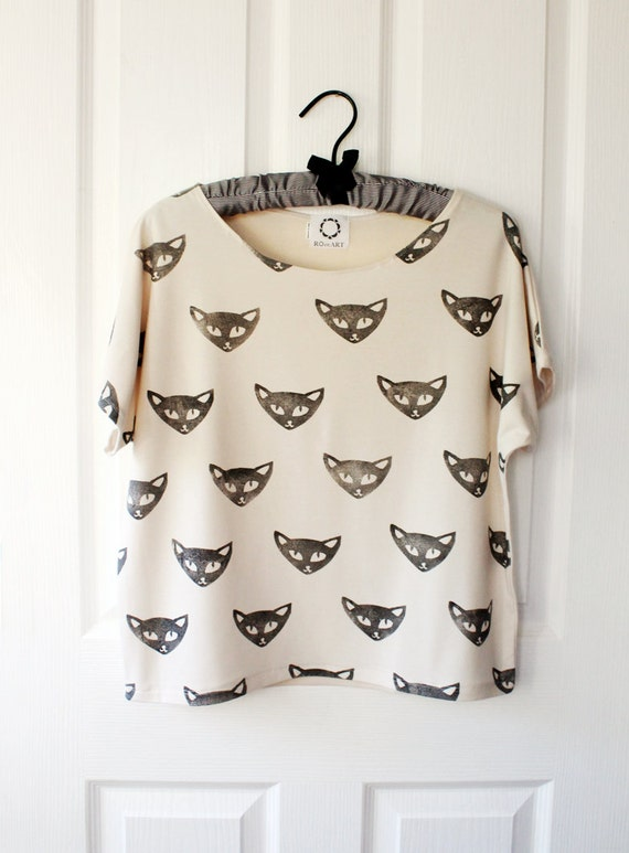 Short sleeved tee with block printed cat faces - bone jersey