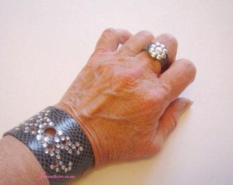Cuff and ring true gray LIZARD