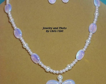 Beautiful Opalite and Pearls necklace and earrings set - Butterfly pendant