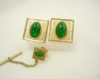 Vintage green cufflinks set / Green Tie Tack Set / mens Birthday / Wedding jewelry / Anson set / St. Patrick's Day may birthstone