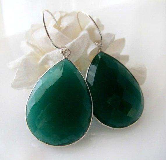 large green onyx dangle silver earrings green bezel gemstone