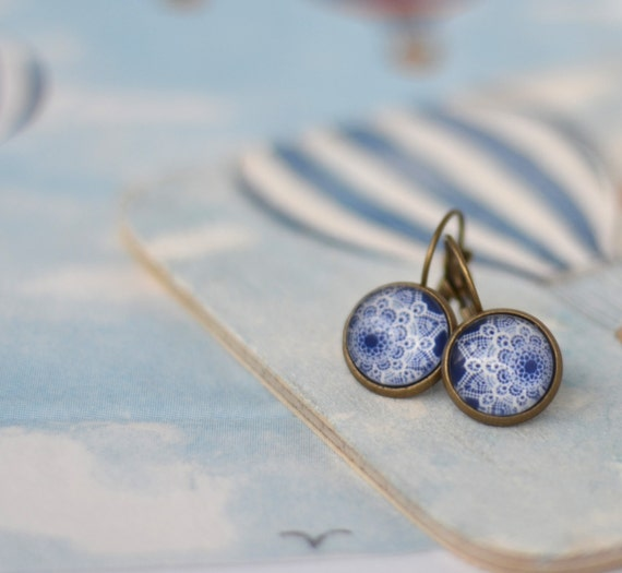 White lace Cabochon Earrings - Pastel blue and white earrings