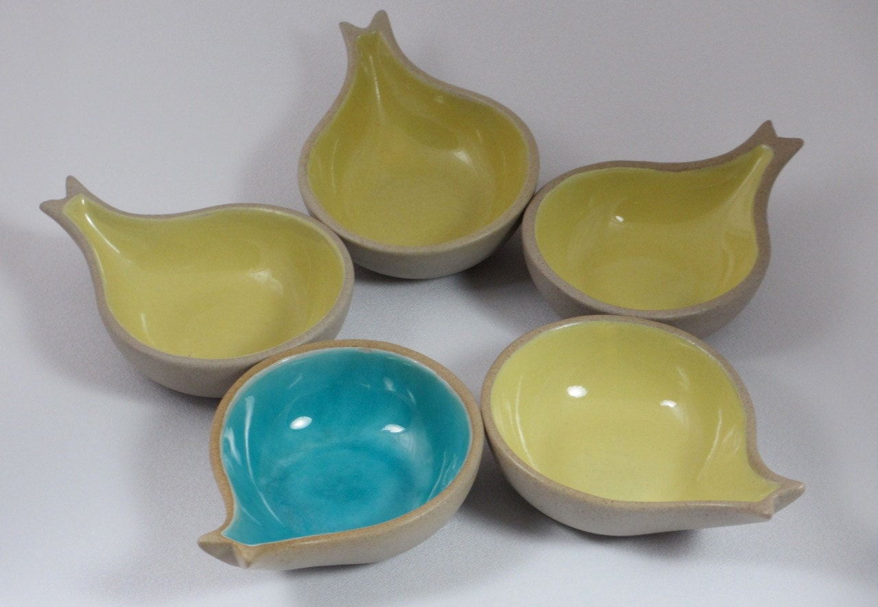 Pigeon forge fish shaped bowls set of five 5 by steviesputnik for Fish shaped plates