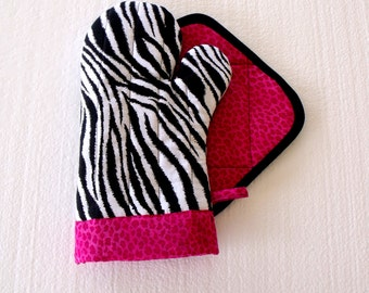 Zebra with Hot Pink Leopard Oven Mitt Pot Holder Set