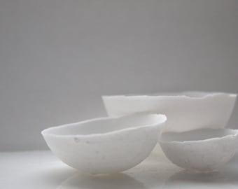 Set of 3 English fine bone china nesting stoneware bowls