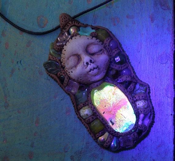 Psychedelic Art Pendant Trippy Psytrance Glow UV Black Light Reactive Hippie ForestNecklace Glass Magic Guide