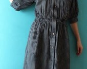 Fantastic VUOKKO vintage (70s-80s) cotton long black and white stripes boho dress with mao collar, bat sleeves and snap buttons