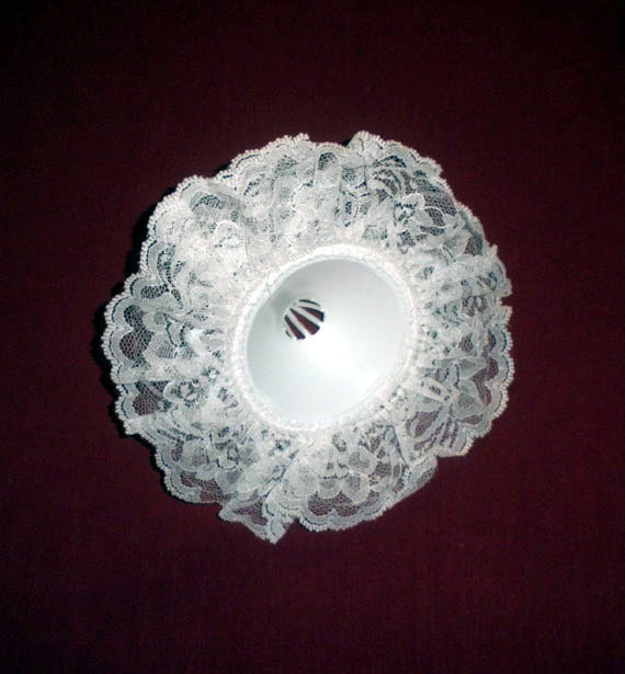 "8"" White Lace Bridal Bouquet Collars Holders by Lomey"