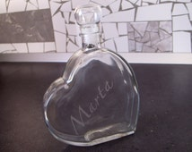 etched glass bottle engraved heart shape 500 ml 0,5l 17,6 fl oz personalized name initial letters etched bottle