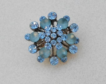 Pendant and pin blue glass vintage 1950s retro vintage rhinestone brooch