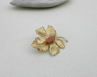 Vintage brooch gemstone sun stone pin maple leaf brooch in gold tone