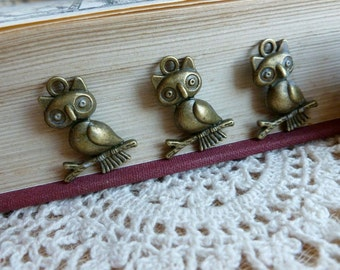 6x Owl Charms, Antique Brass Pendants Findings C424