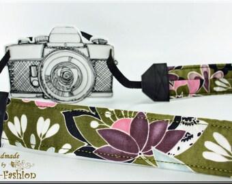 Camera strap, camerastrap olive, flowers