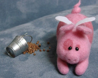 Needle Felted Pink PIG Polly with the wings. Soft Sculpture. Felt Toys.