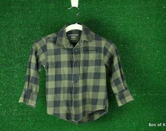 Boys Grunge army green and black plaid flannel lumberjack shirt sz 4/5