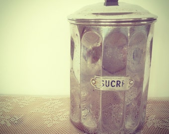 VINTAGE - 'Sucre' Tin