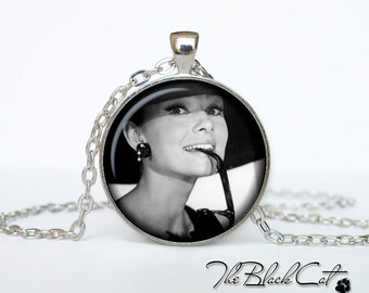Audrey Hepburn  pendant Audrey Hepburn  necklace Audrey Hepburn  jewelry actor jewelry (PA0003)