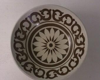 "J & G Meakin ""Maidstone"" Vintage Retro Bowl Bold Brown and Beige Earthenware Ceramic Dish"