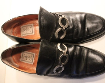 Vintage shoes with historical styling Black  leather Colonial Puritan Pirate  style shoes - reduced