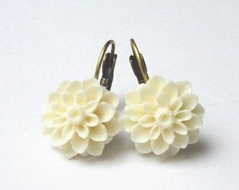 Earrings Mum Flower