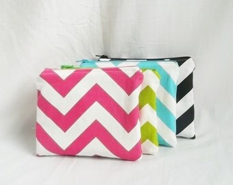 Set of 4 - Personalized Stocking Stuffer - Monogrammed Makeup bag - Chevron Pouch - Small
