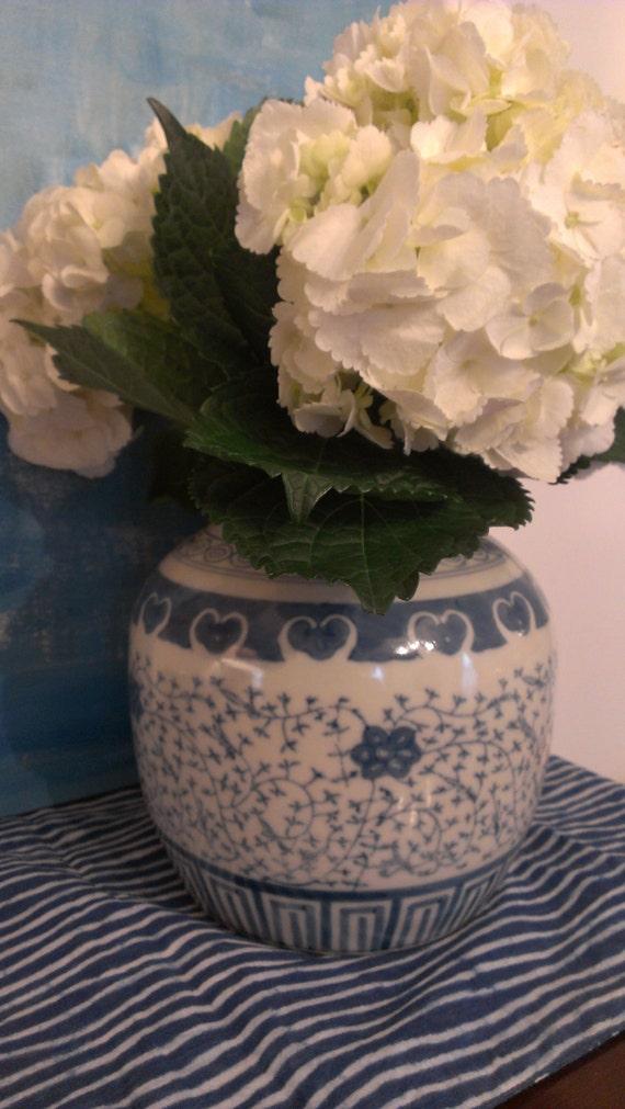 blue and white ginger jar vase. Black Bedroom Furniture Sets. Home Design Ideas