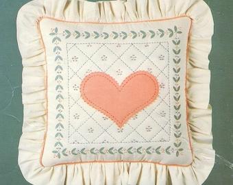 CANDLEWICKING KIT Silkscreened Stencilled Pillow Heart Design Leisure Arts Kit 819 Alyson Gonsalves