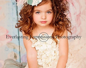 Birthday hat, Teardrop Hat, flower girl hat, tea party hat, vintage Feather Fascinator,  Mini Hat, Photo prop, baby girl hat