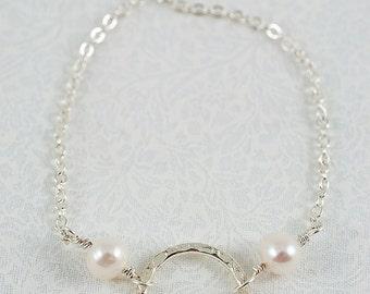 Silver Circle & Freshwater Pearls Bracelet