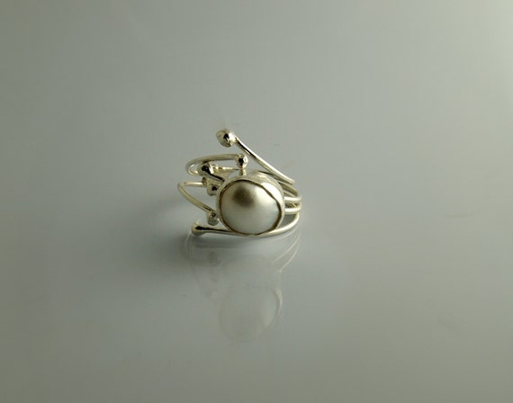 Unusual Pearl Ring - Sterling Silver - Modern Contemporary - Open /  Adjustable Ring - Hands Collection