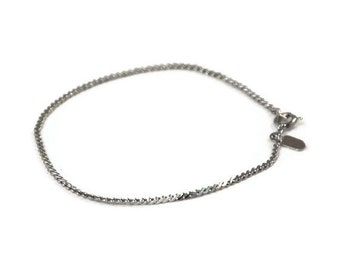 Silver Chain Bracelet, Sarah Coventry Jewelry, Dainty Vintage, Thin Chain, Clasp Closure, Halmark