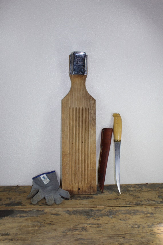 Vintage fish fillet wooden board j marttiini fillet knife for Fish fillet board