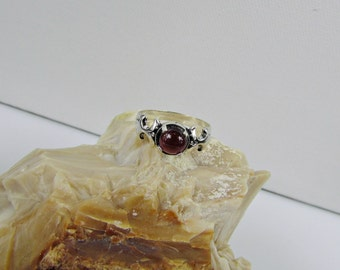 Sterling Silver Ring - Natural Red Garnet Ring - Friendship Ring - Statement Ring with a 6mm Natural Red Garnet Cabochon