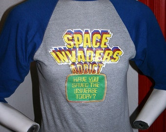 1981 Space Invaders arcade atari sci-fi geek video game raglan baseball style unisex t-shirt - men's sz XS/S