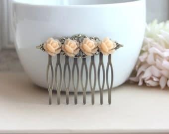 Romantic Tiny Pale Peach Rose Flower Filigree Hair Comb. Bridesmaids Hair comb. Wedding Bridal. Floral Accessories.
