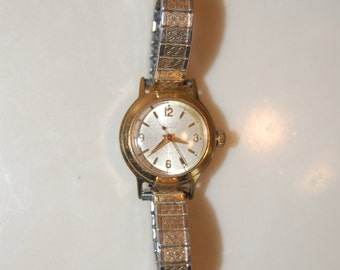 Vintage women's Bolova watch  / 1950's gold watch / Vintage Bolova watch  / Cheapvintagefashion