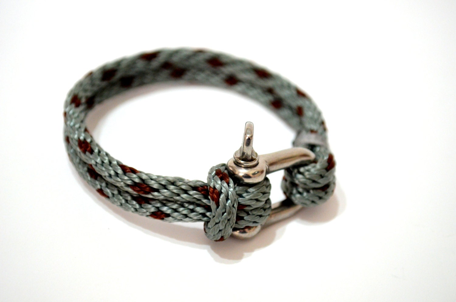 Bracelets For Men Bracelets for men can add a sophisticated and modern touch to any outfit, and they're available in a variety of materials and designs to complement his sense of style. Whether you're pulling together a classic look for date night or an edgier look for a night on the town, choose from a variety of bracelets for men to enhance.