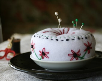 Flower Embroidered Pincushion Dish