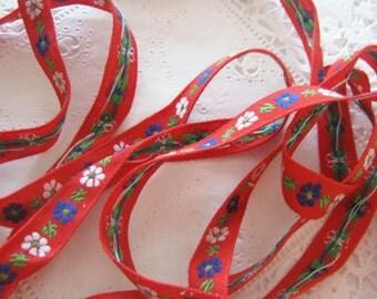 Vintage Jacquard Ribbon Trim White Blue Floral on Red 3 Yards