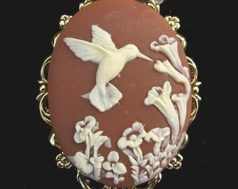 Cameo Brooch or Pendant Hummingbird with Flowers Rust Brown