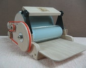 Fancy Kitty KITTEN 72/90 Medium Fiber Drum Carder With brush attachment