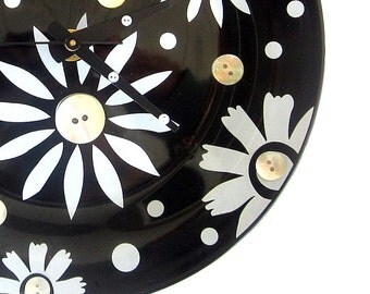 Black and White Wall Clock FREE US Shipping