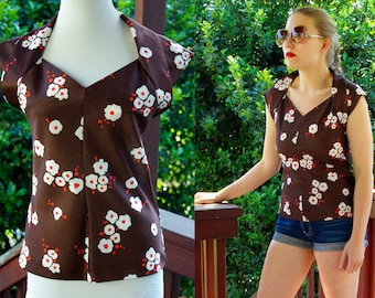 HOOT Owl 1970's Vintage Brown Orange and White Floral Sleeveless Blouse with Structured Collar by Joseph Magnin size Small