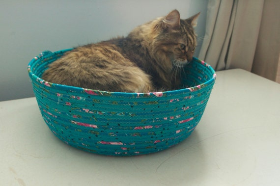 Cuddly cat snuggle bed - Dark Teal Blues